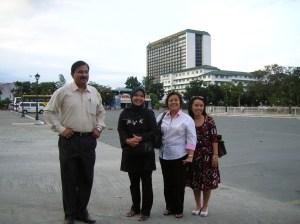 Disekitar manila hotel, bersama partisipan dari India, panitia dari DOTC Philippines dan panitia dari APT Bangkok